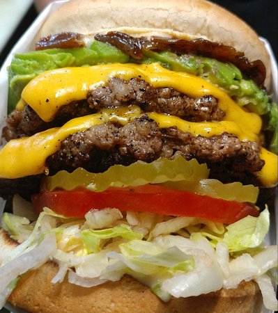 Victorville, CA: double cheese burger with Avocado
