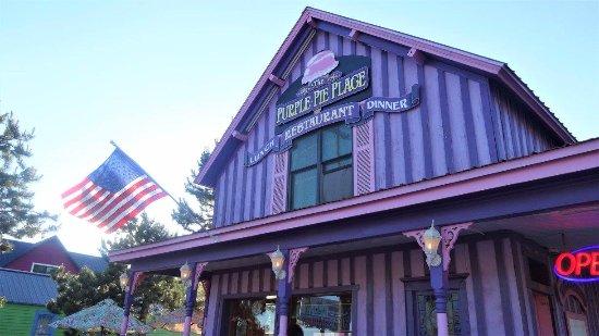 Bobkat's Purple Pie Place : Purple Pie Place, Custer, South Dakota