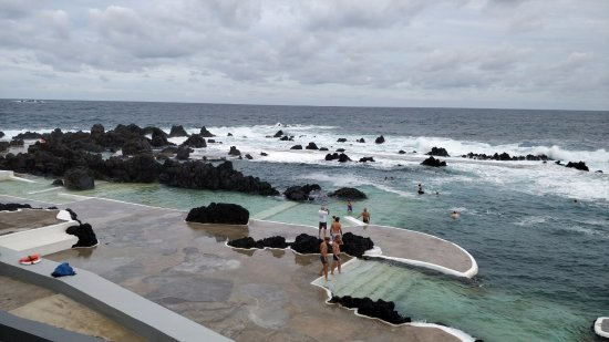 Porto Moniz, Portugal: Outdoor pools protected from the ocean