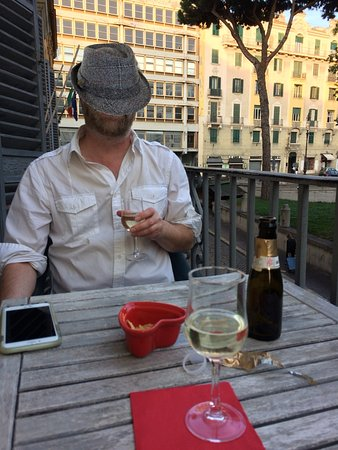 Locanda al Viminale: Prosecco on the balcony of our room