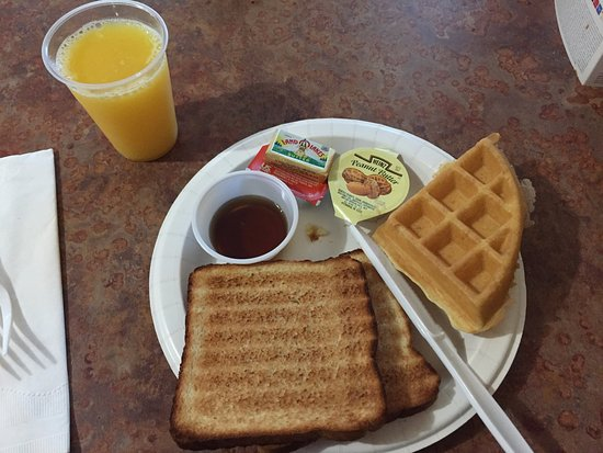 Placentia, Californië: Basic breakfast, but nice