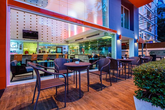 Hotel Solo Sukhumvit 2 Photo