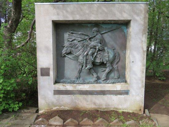 Borgarnes, Iceland: Memorial Stone