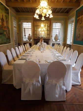 9e879cd82ba5 Hotel Ristorante Julia Villa Maggi Ponti  Il tavolo imperiale in Villa