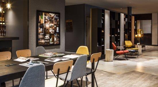 Clichy, France: Espace Lobby-Bar