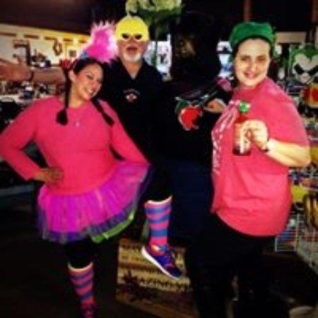 Linden, VA: Halloween fun at The Apple House!