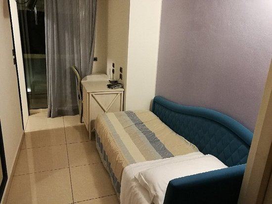 Hotel Sans Souci: IMG_20171018_214603_large.jpg