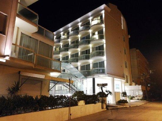 Hotel Sans Souci: IMG_20171018_213913_large.jpg