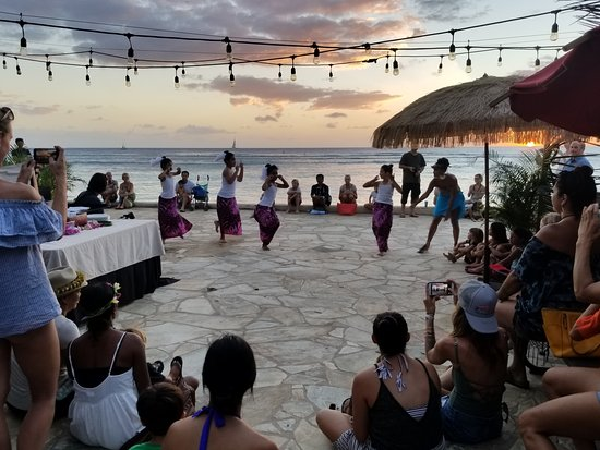 Aunty Alaana S Keiki Hula Girls Barefoot Beach Cafe