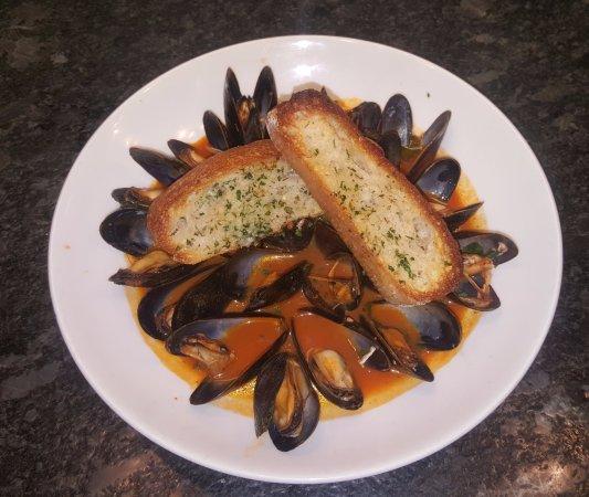 Vienna, VA: Cozze alla Napoletana - Prince Edward Island mussels steamed in white wine & chopped tomatoes