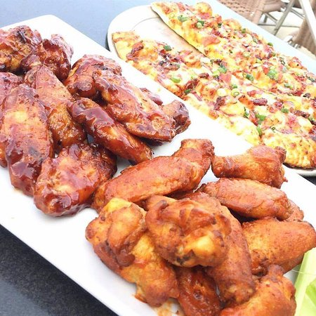 Round Table Pizza Wings.Wings And Pizza Picture Of Round Table Pizza Felton Tripadvisor