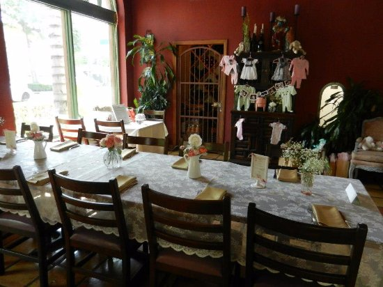 Fullerton, CA: Our rustic dining room