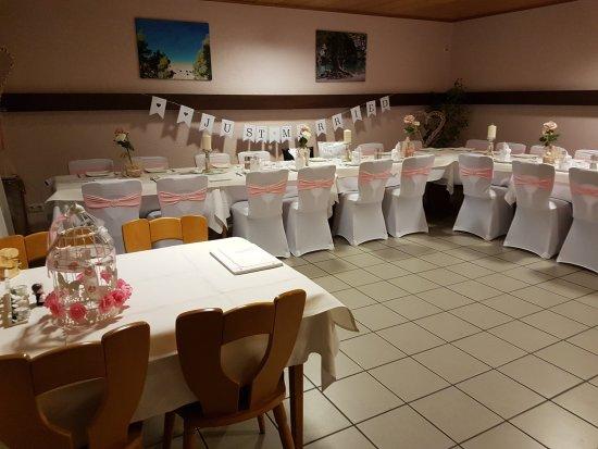 Munster bei Dieburg, Tyskland: Hochzeit