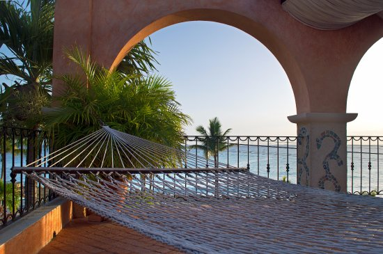 Little Arches Boutique Hotel: Relax in our Hammocks by the pool and watch the sunset