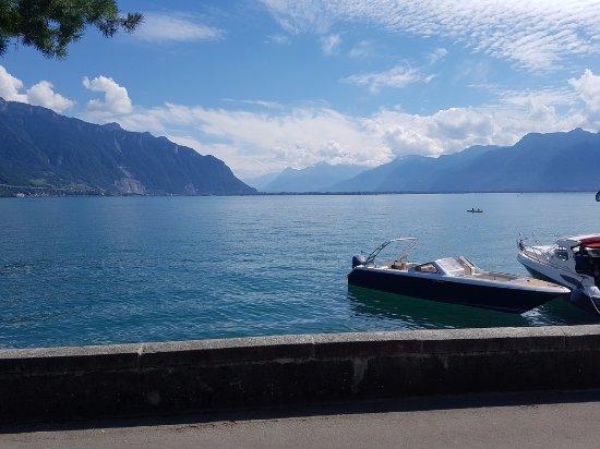 Clarens, Switzerland: Vue depuis le jardin