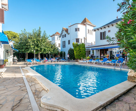 Hotel Capri, hoteles en Sitges
