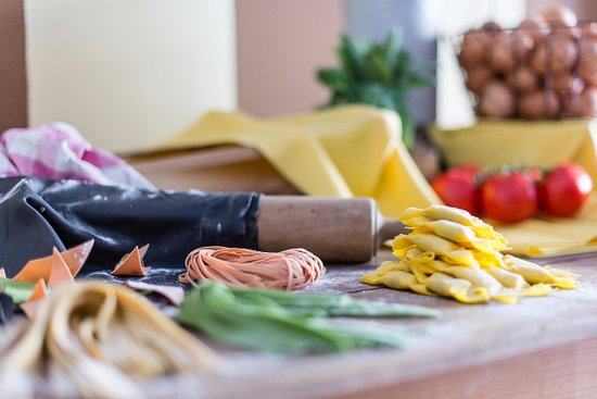 Rezzato, Italy: Pasta fresca e casoncelli fatti a mano, gnocchi, malfatti, ampia gastronomia