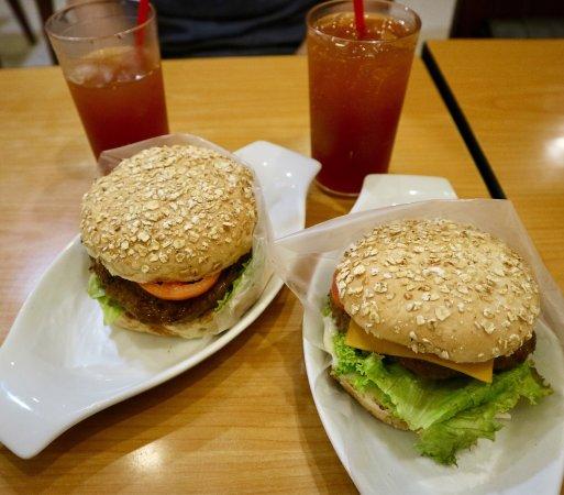 BBB Magnolia Robinsons (Big Better Burgers): photo3.jpg