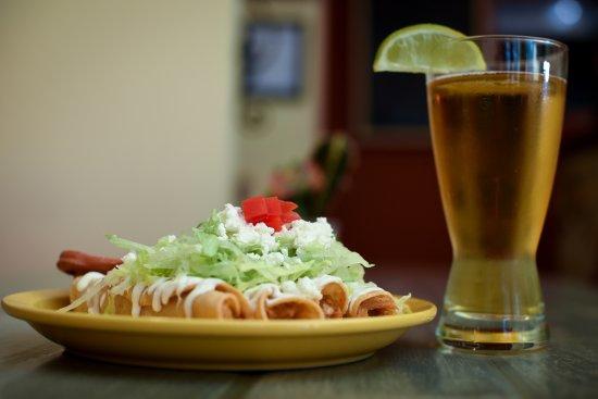 Belleville, Canadá: Tacos Dorados