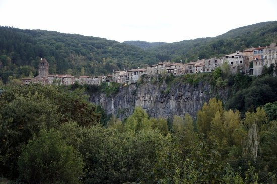 Castellfollit de la Roca, Spain: Vista general del centro histórico