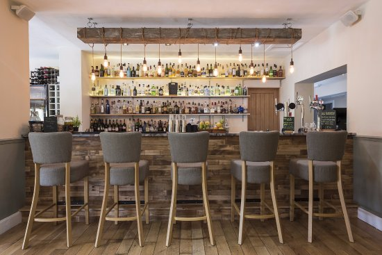 The Lovat, Loch Ness: Waypoint Bar