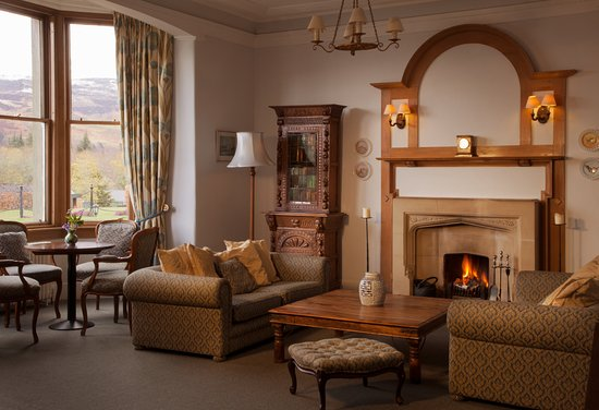 The Lovat, Loch Ness: Drawing Room