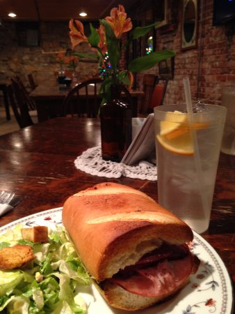 Excelsior Springs, MO: Toasted Italian Sandwich and House Salad