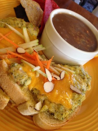 Excelsior Springs, MO: Open Faced Albacore Tuna Melt and Soup of the Day