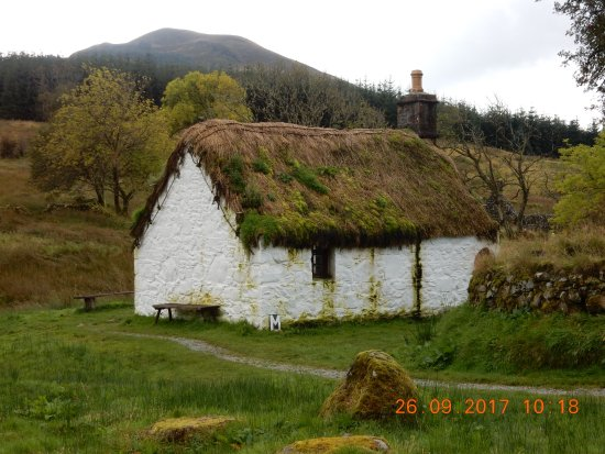 Inveraray, UK: just one of the farmers cottages