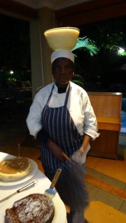 هوتل نومبي آند جاردن سويتس: Toetjes op een origineel Zuid Afrikaanse methode aangebracht.