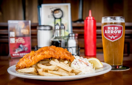 Cowichan Bay, Канада: 1 pc cod with home cut fries and coleslaw and a glass of local Red Arrow Ale