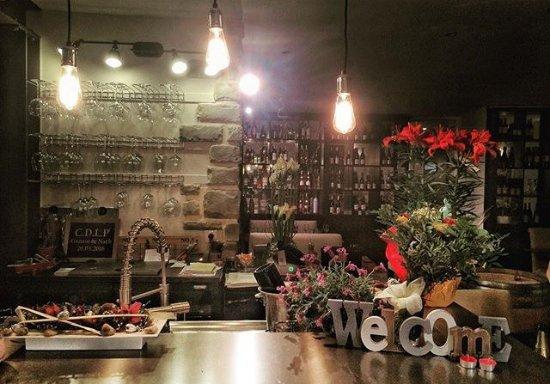 Montfort-l'Amaury, Prancis: Le café de la Poste
