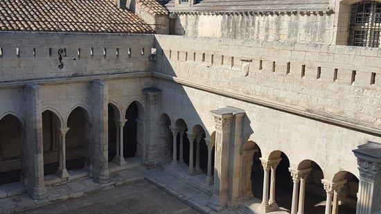 Cloître Saint-Trophime : 20171017_154344_large.jpg