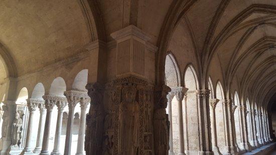 Cloître Saint-Trophime : 20171017_155534_large.jpg