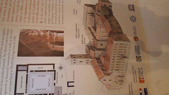 Cloître Saint-Trophime : 20171017_152906_large.jpg