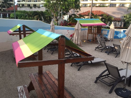 Marriott Puerto Vallarta Resort & Spa: Kids Pool Area