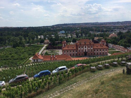 Zámek Troja: Troja Chateau, view from Botanical Garden