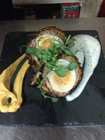 The Lydden Bell: Hot Scotch Bhaji Egg with mint raita and curried mayonnaise