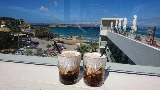 Almyrida, Grécia: Coffee with a view