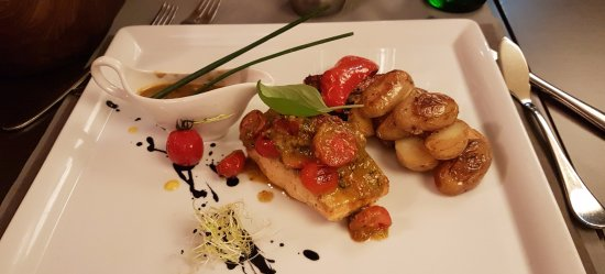 Pfullingen, Alemania: Salmon with pesto