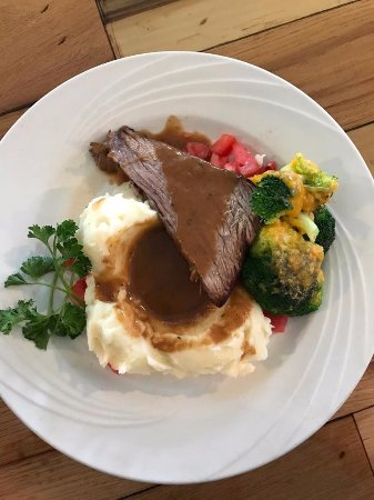 McClellanville, SC: Roast beef and mashed potatoes