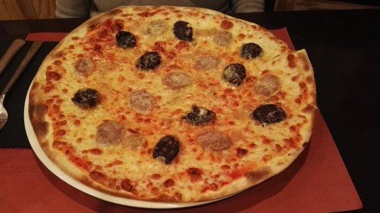 Puigcerda, Espanha: Pizza Salmone sin gluten y pizza Pirineus!