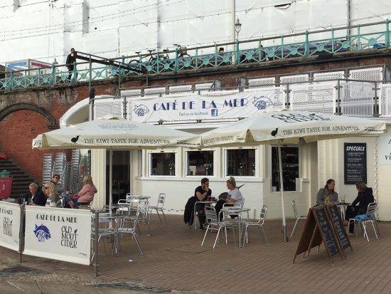 Brighton Beach: Nice cafe