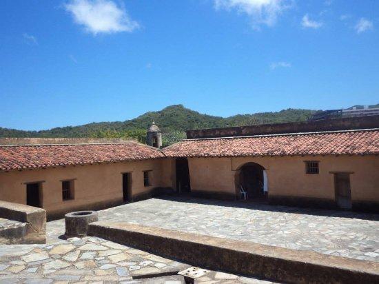 La Asuncion, Venezuela: Castillo Santa Ana en su Esplendor