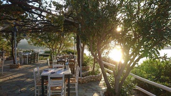 Plaka, Yunanistan: Beautiful setting