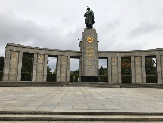 soviet war memorial berlin tripadvisor. Black Bedroom Furniture Sets. Home Design Ideas