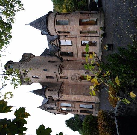 Broomhall Castle : P_20171011_093903_PN_large.jpg