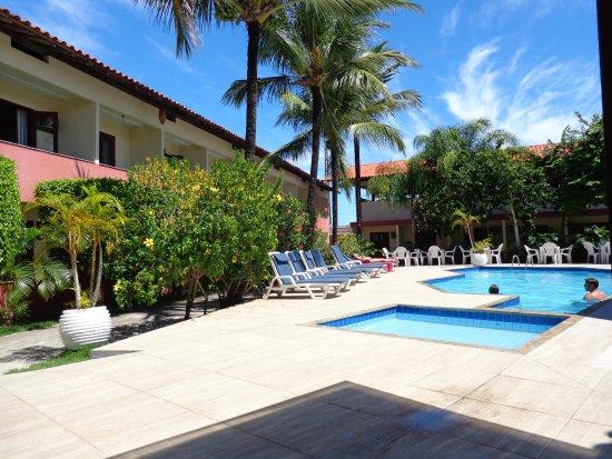 Area da piscina e jardins foto de praia mar hotel porto for Piscinas e jardins
