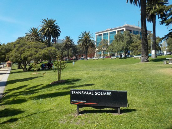 Geelong, Australia: Signage and overview of park