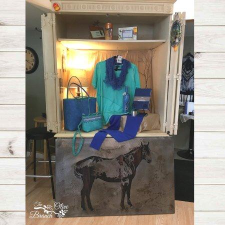 Belle Fourche, Dakota del Sur: Laser-cut equine wall art